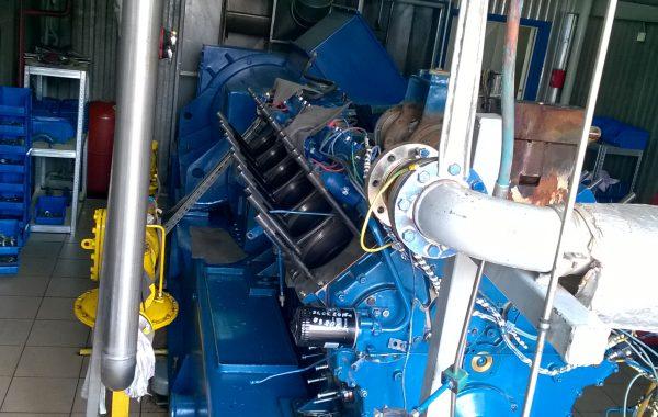 Naprawa uszkodzonych gniazd w silniku 12-to cylindrowym